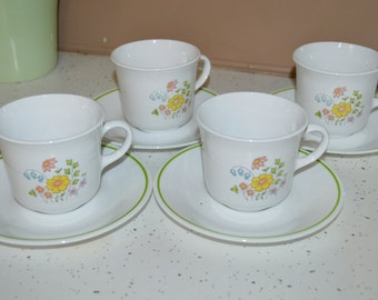 8 Piece Set of 4 Corelle Cup and Saucer Vintage Meadow ~ Retro Kitchen ~ Spring Flowers ~ Green Band Saucer