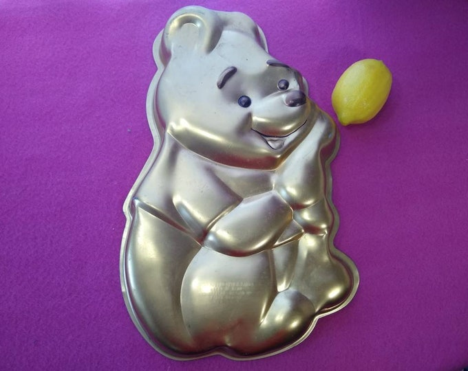 Winnie The Pooh Wilton Aluminum Cake Pan 515-401 Cake Mold Decorating Baking DIY Birthday