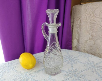 Anchor Hocking Early American Prescut Chrystal Cruet Star Of David Pressed Glass Salad Oil Vineger Small Pitcher Syrup Small Caraf Serving