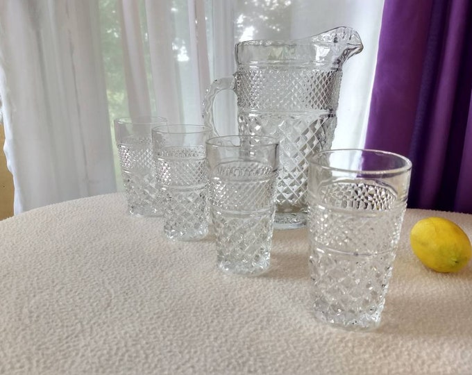 Wexford Pitcher & 4 Water Glass Set / 6 Inch Tall Glasses Anchor Hocking EAPG Diamond Point Cut Glass Formal Set Crystal Glass Pattern