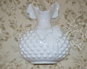 Burwood Hobnail Plastic Vase Wall Decor~ Shabby Chic ~ Country Cottage ~  Fenton Style ~Vintage 1983