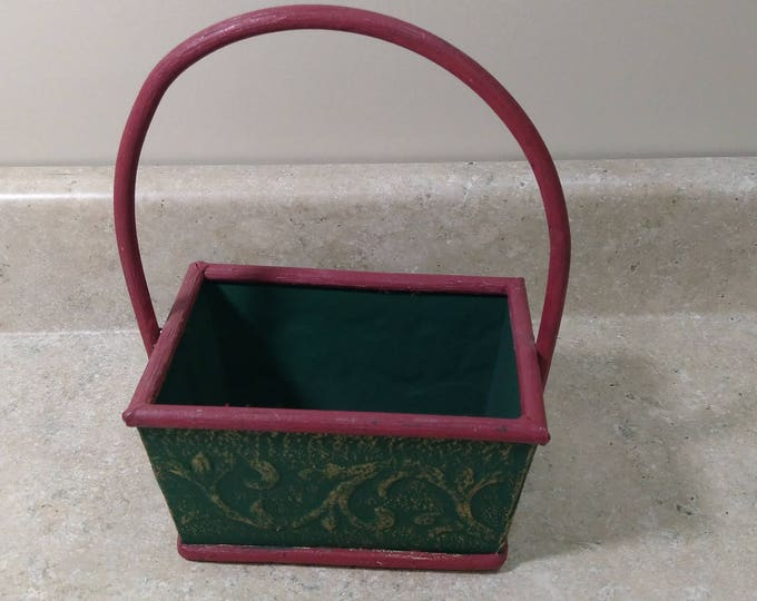 Green and Red Holiday Wooden Christmas Basket Centerpiece Gift Basket