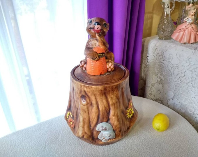 Squirrel On Stump Cookie Jar USA Pottery Retro Vintage Kitsch Kitchen Hand Painted Tree Stump Brown Squirrel Mushrooms Canister 2602 - 1 - 2