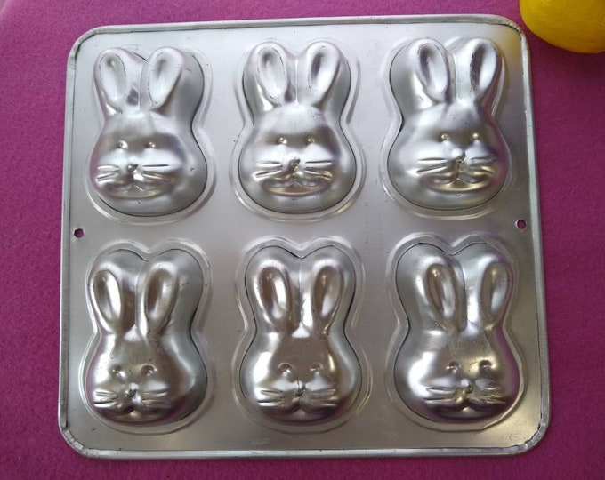 Easter Bunny Head Mini Cake Pan ( 6 On 1)  1992 # 2105-4426 Muffin Cupcake Pan Aluminum Rabbit Mold Set Of 6 On One Pan