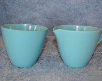 Allied Chemical Melamine Turquoise Blue Creamer And Sugar Bowl Mid Century Atomic Vintage Kitchen RV Replacement