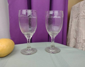 Libby Chivalry Red Wine Glass Set Of 2 Replacement Stemware Textured Hexagonal Clear Vintage Goblets Replacements