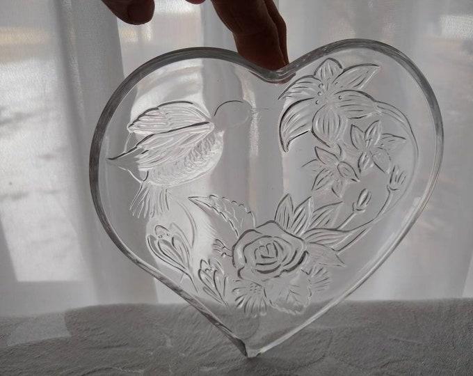 Hummingbird Heart Shaped Plates Retro 70's Embossed Bird Lilly & Rose Flower Snack Plates Valentine Indonesia Romantic Shabby Chic Set Of 4