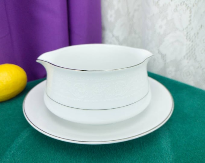 American Limoges Lacr Bouquet Gravy Boat Fine China Attached Underplate Platinum Trim Lace On White China Formal Dinnerware