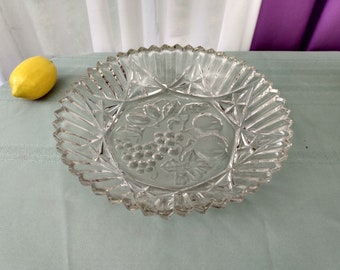 Federal Pioneer Pattern Pressed Glass 10 1/2 Inch Bowl Fruit Embossed Intaglio Center Large Soup Bowl Depression