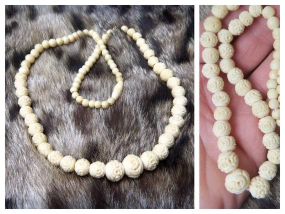 Vintage carved old bone necklace Graduated carved beads 71 carved bone beads