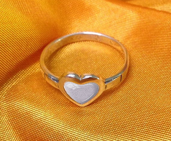 PET CREMATION RING 925 Sterling Silver Pet Cremation Ashes Ring Memorial Pet Ring Custom Pet Cremation Jewelry Bereavement Ring Laurel Leaf