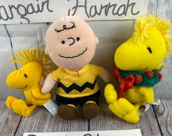 Peanuts mini beanbag plush doll; Applause New; Schultz Charlie Brown