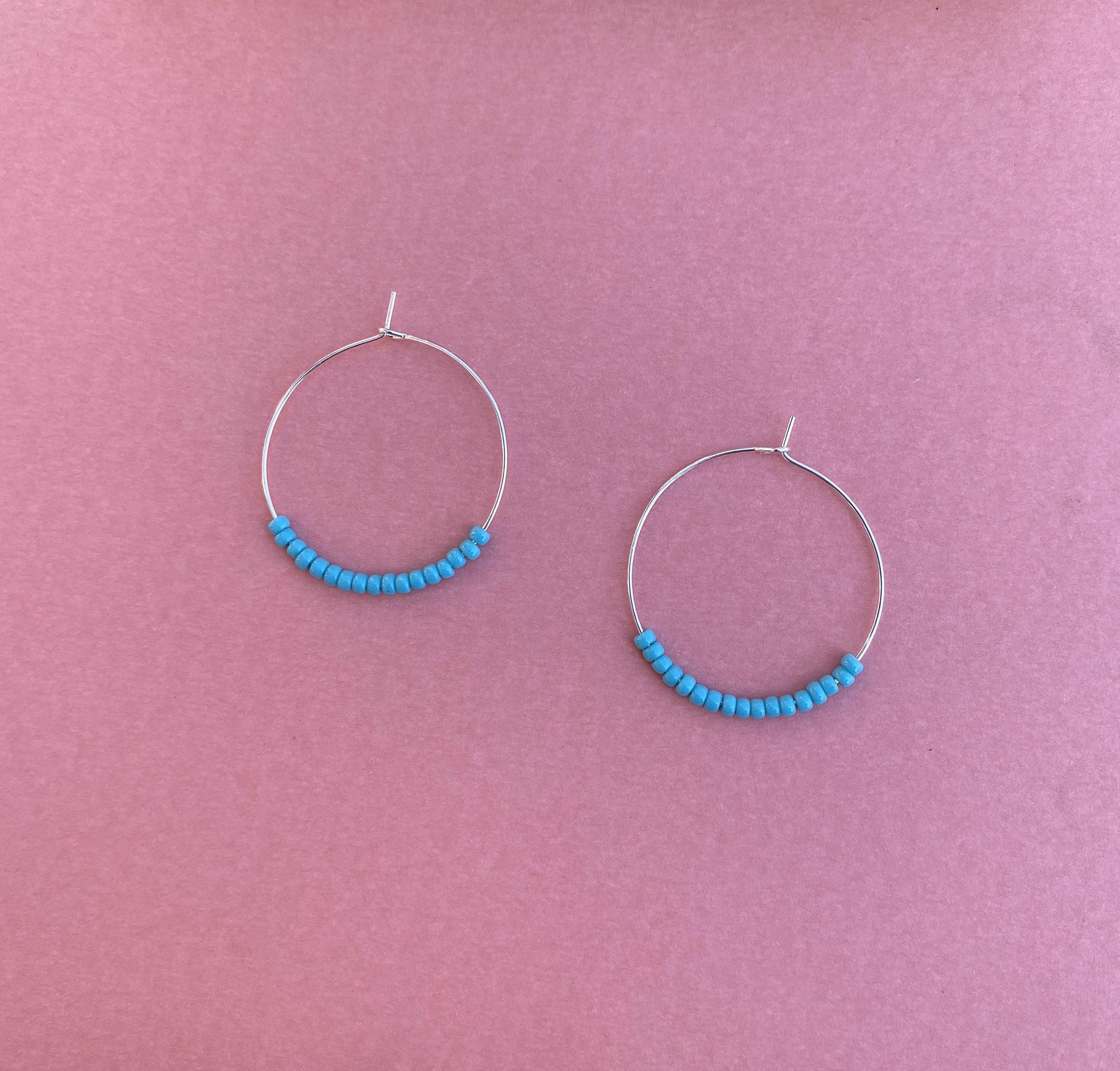 Turquoise Bead Earrings, Dainty Seed Earrings, Seed Bead Hoops, Beaded Earrings, Blue Beaded Jewelry, Turquoise Jewelry, Seed Bead Jewelry