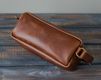 0c76d0a49c17 Leather Dopp Kit Bag Groomsmen Gifts Valentines Day Gifts for Him  Personalized Gifts for Men Leather Toiletry Bag Boyfriend Gift Monogram