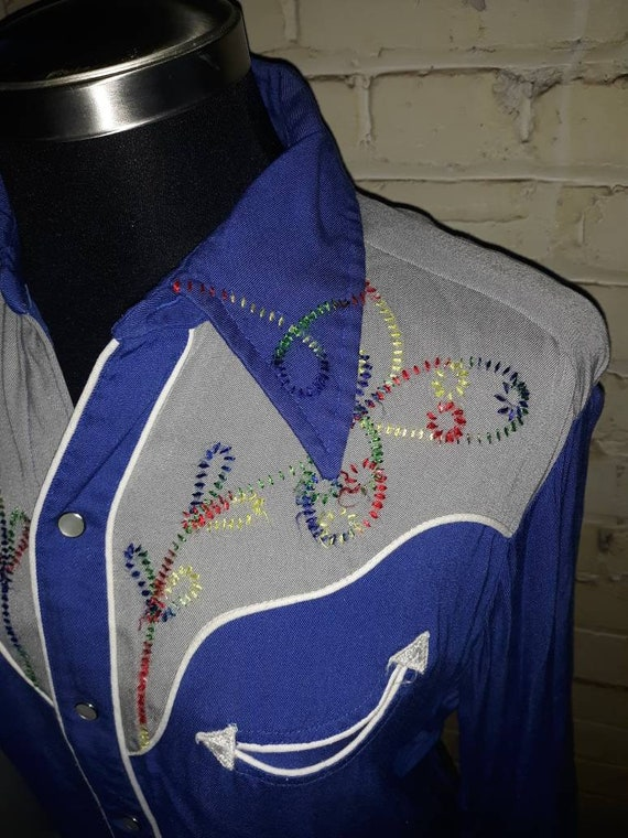 Beautiful Vintage Embroidered Western Shirt - H Ba