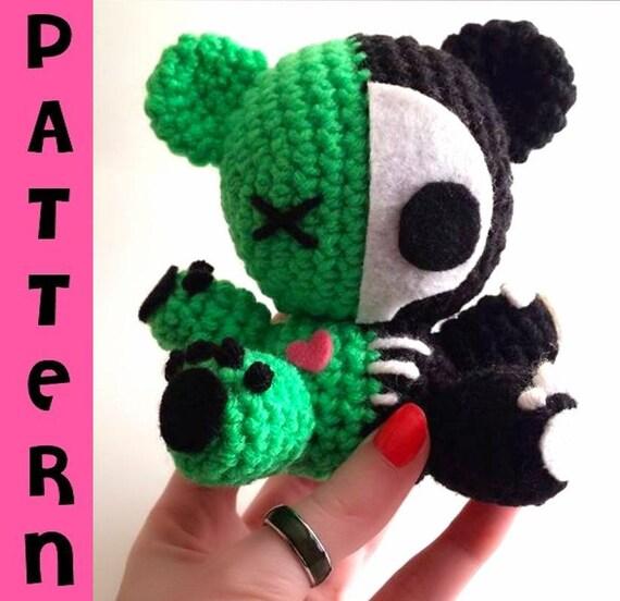 Cute Amigurumi Skeleton Doll Free Crochet Pattern - Briana Blair ... | 552x570