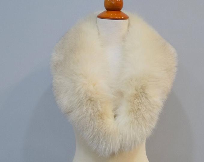 Large White Fox Fur Collar F676