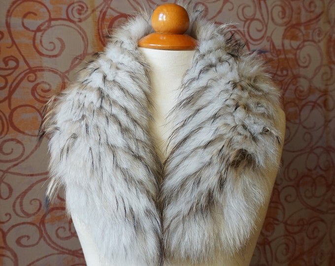 Beige Fox Fur Collar F919