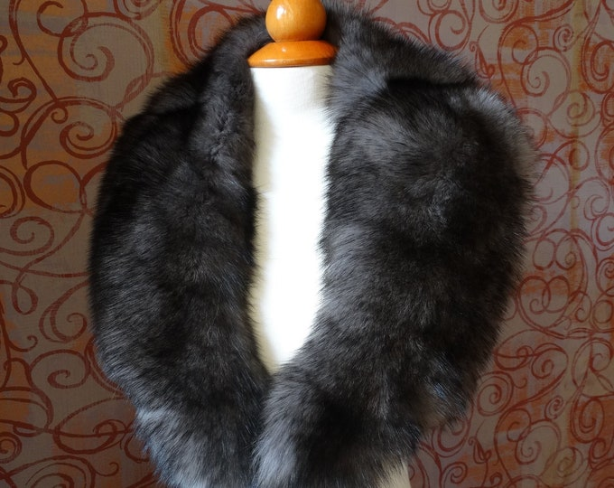 Large MatteBlack Fox Fur Collar F911