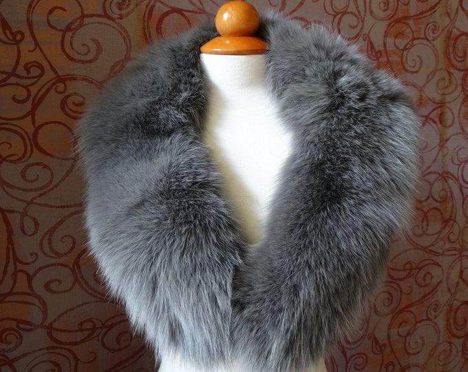 Large Grey Fox Fur Collar F908