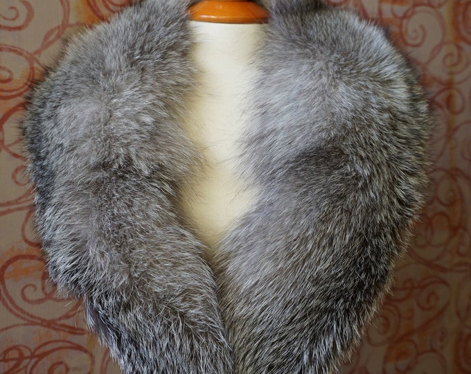 Large SilverBlue Fox Fur Collar F974