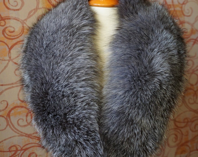 Large SilverBlue Fox Fur Collar F973