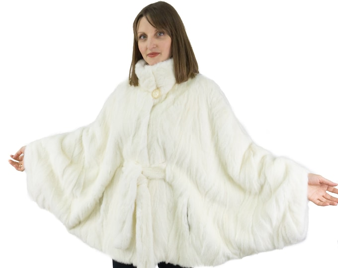 Cape Mink white pearl with belt