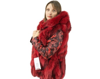 Red  fox vest with hooded, ideal for everyday use