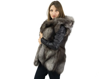 Silver fox vest with hooded, ideal for everyday use