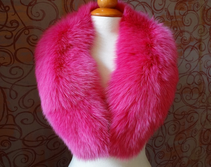 Large Fuchsia Fox Fur Collar F909