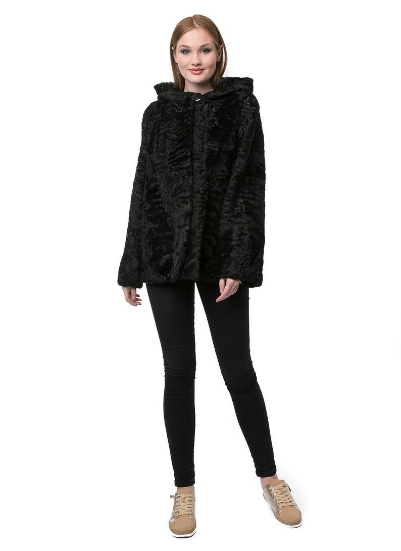 Pelliccia di Astrakan reale con cappuccio giacca stile  90abe59093b