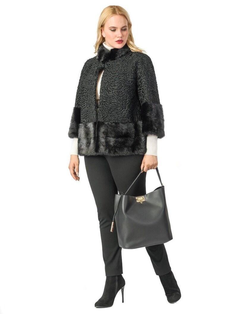 quality design f41fb 4874d Pelliccia di Astrakan reale con giacca di pelliccia di visone, giacca  manica corta, stile Jackie, vera pelliccia, pelliccia giacca, F968  pelliccia ...