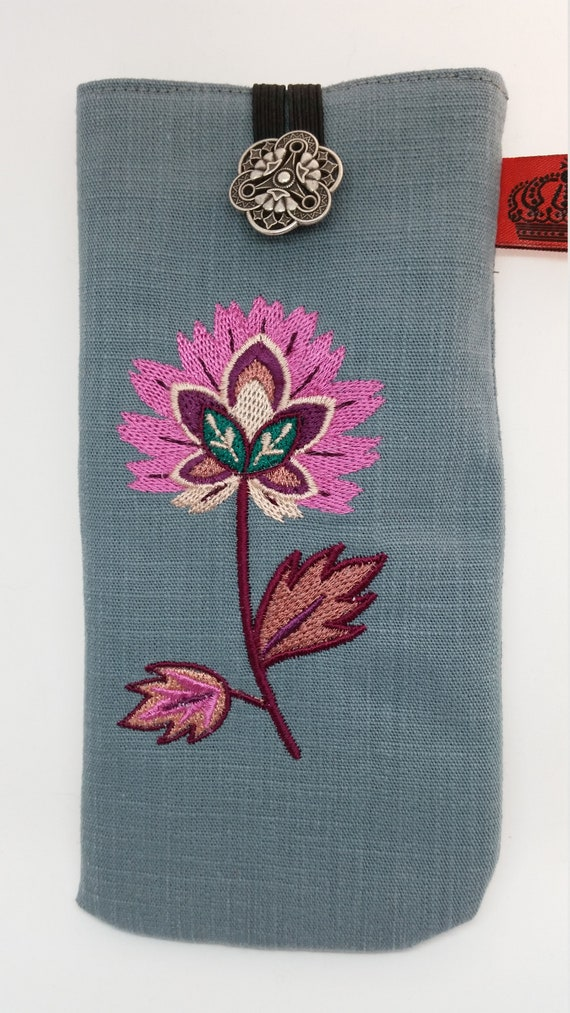 GC695.  Soft and sophisticated jacobean flower glasses case.