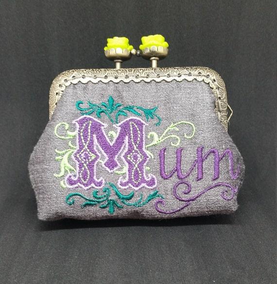 CP4616.   Grey Mum coin purse.
