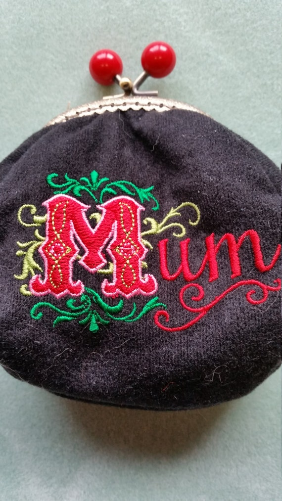 L332.  Mum's coin purse