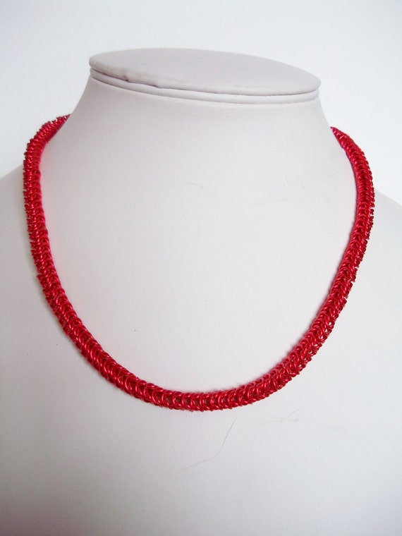 S - 207 Box chain chainmaille in red!