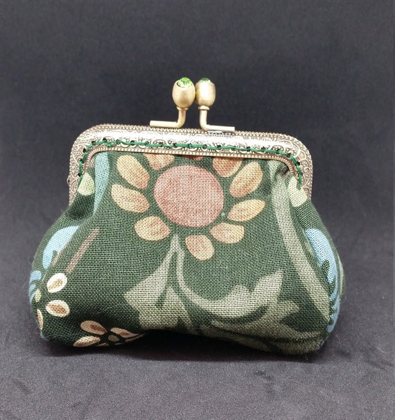 CP612. The small floral coin purse.