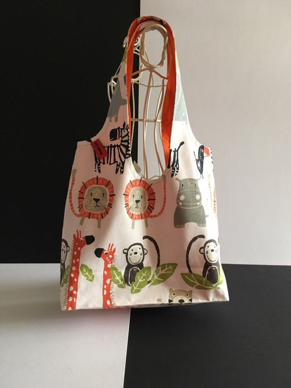 S - 780 Shopper with animals