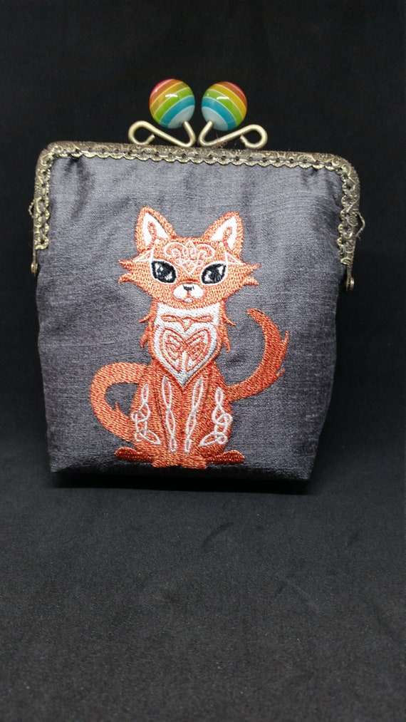 CP702.   Celtic knotwork Cat design  purse