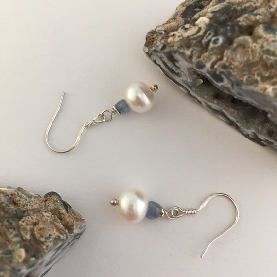 S - 795 Pearl and blue sapphire earrings with 925 sterling silver findings