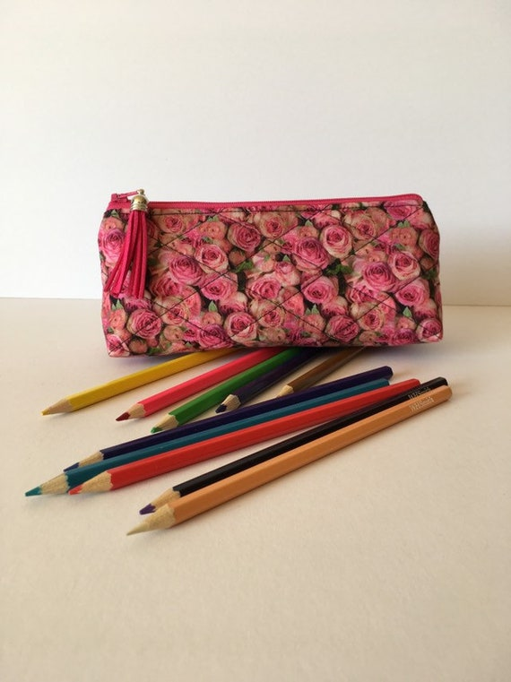 SPC003 - Pencil case featuring small roses design. Pink tassel . Fully lined. Traditional design . Versatile