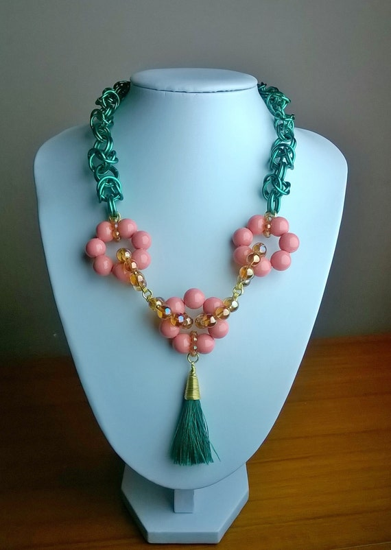 S - 468 Statement necklace ,chainmaille , featuring shell pearl