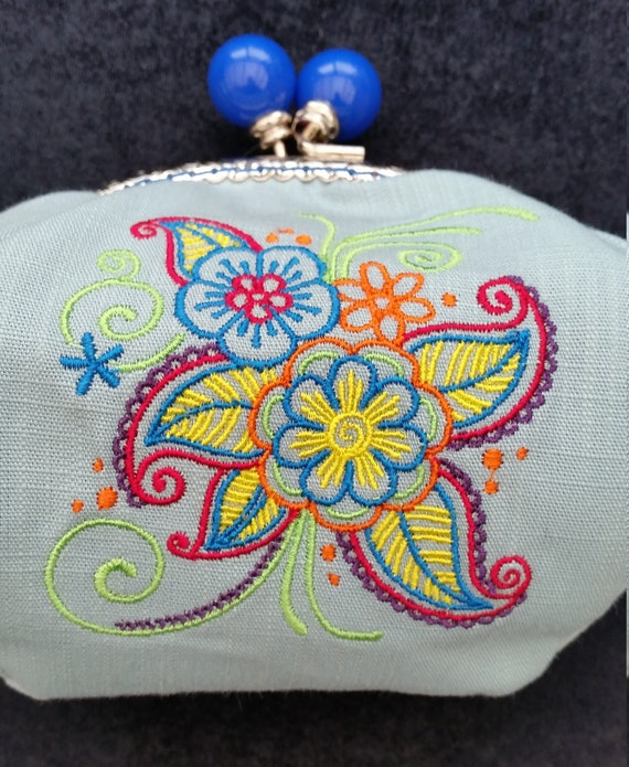 CP539. Mehndi flower design coin purse.
