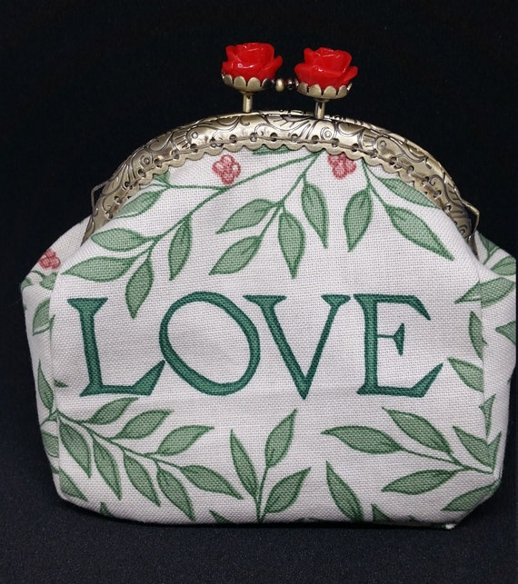 CP573.  'Love' design coin purse.