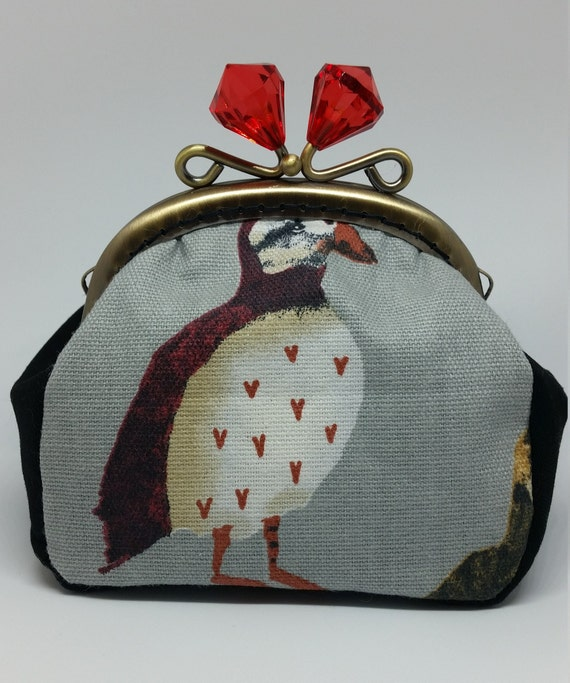 CP577.    The puffin coin purse.
