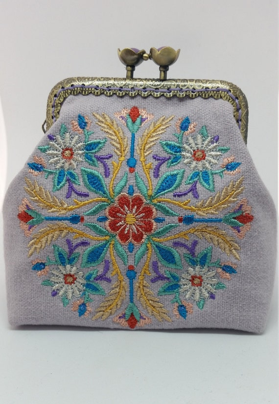 CP697.          The blissful harvest medallion  purse