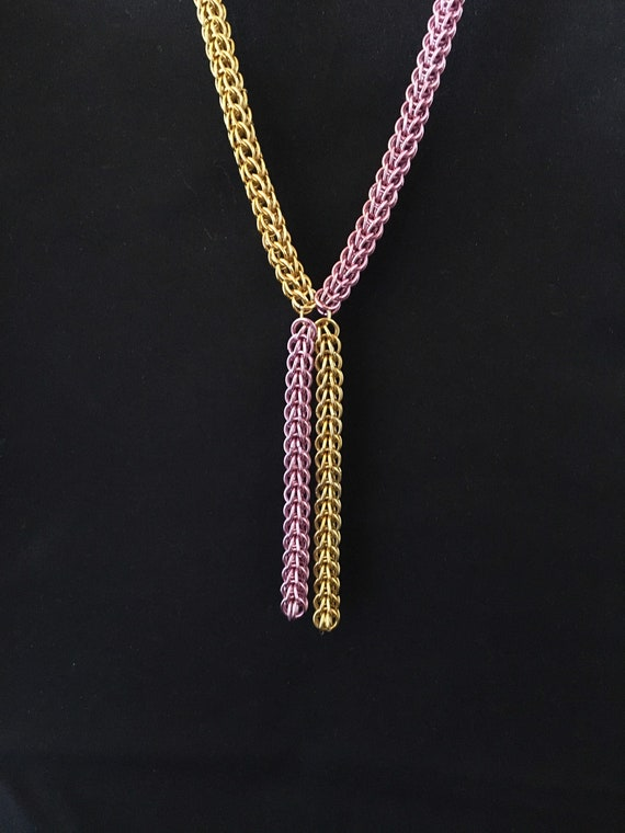 S - 014 Necklace handcrafted in pink and gold colours. Chainmaille full Persian design