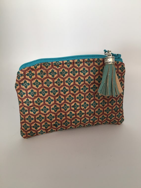 S - 078 Coin/card purse made with Portuguese cork and lined with cotton fabric