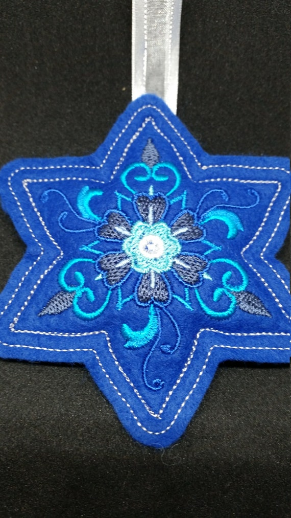 X045.      Royal Blue Star shape Felt Christmas tree ornament
