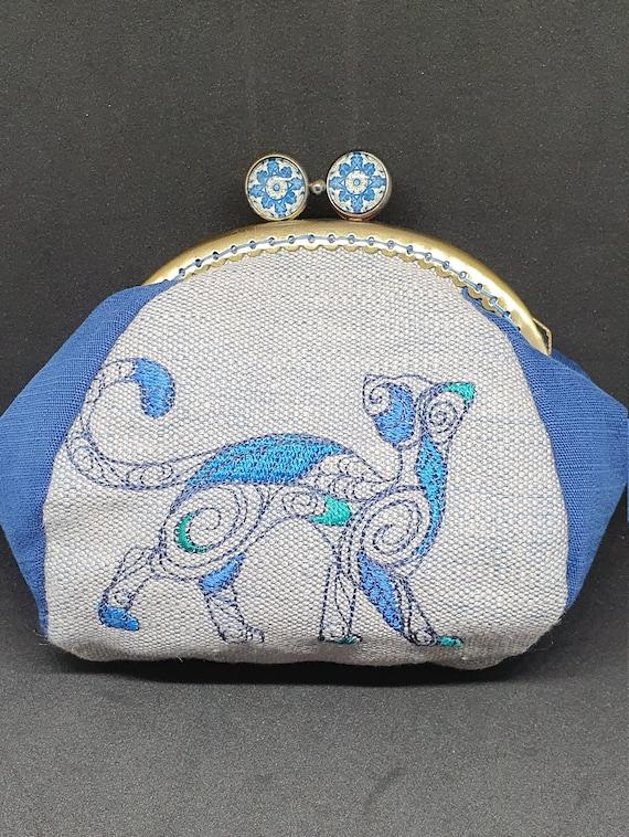 CP708.   The doodle cat large purse